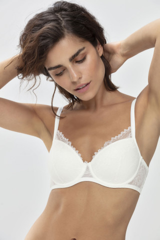 Frontansicht Spacer-BH | Half Cup Serie Fabulous 74047 | Mey Bodywear