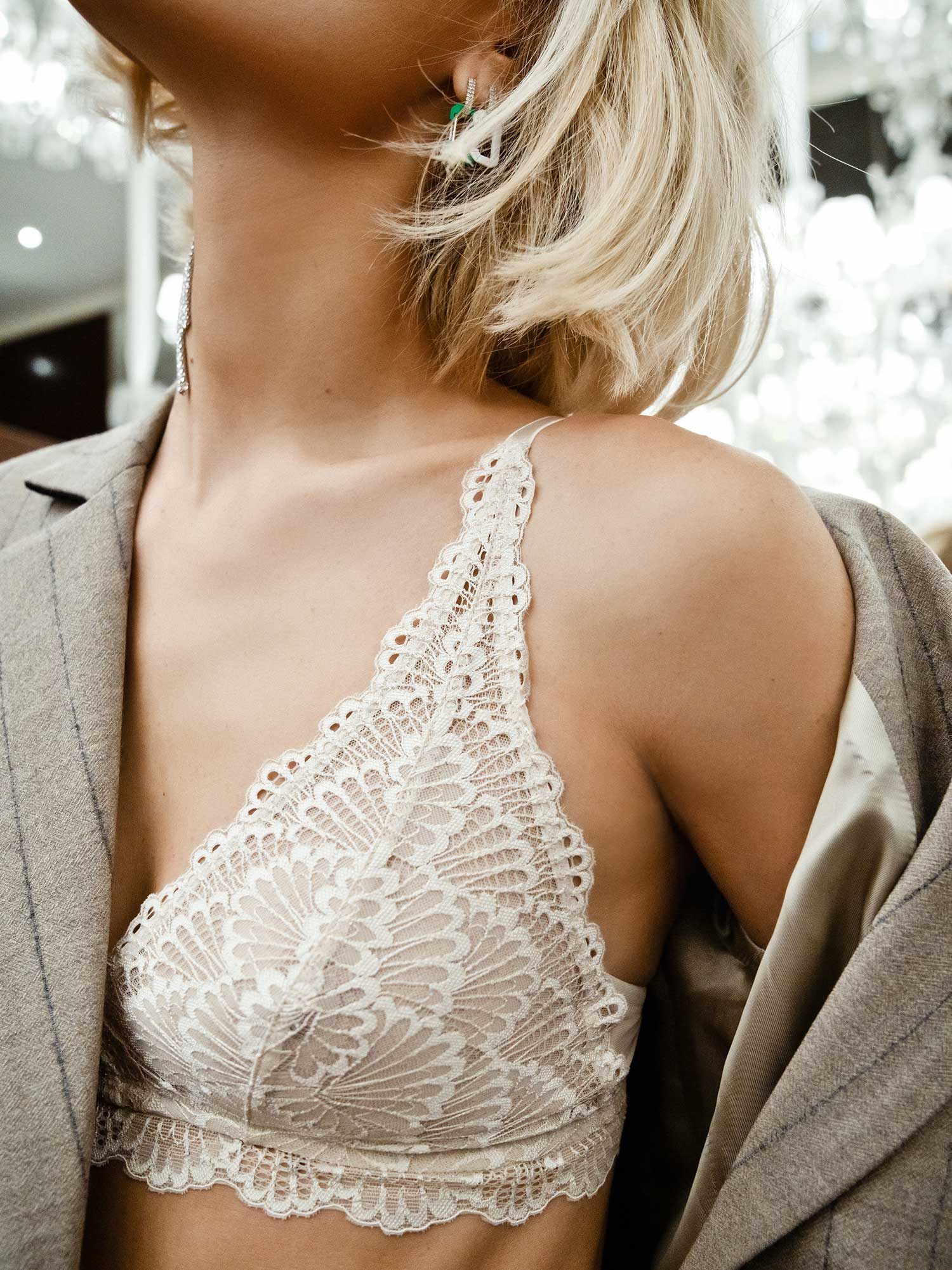 Viktoria Rader with Mey triangle bra from Legendary series in color New Pearl   mey®
