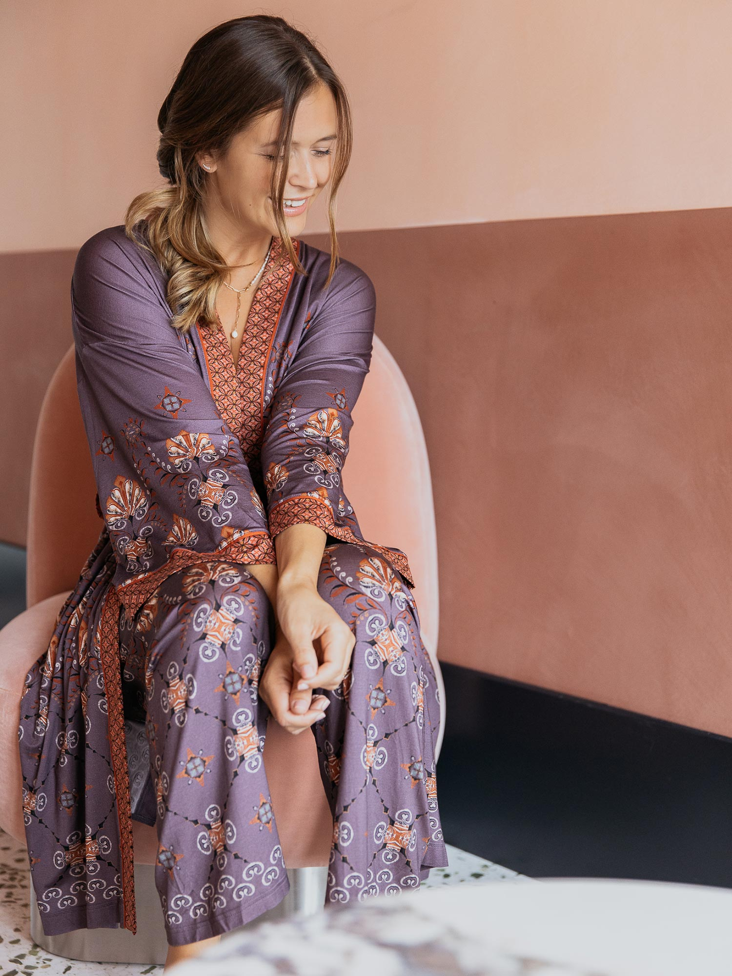 Lounging in Style: Sarah's Homewear-Essentials. | mey®