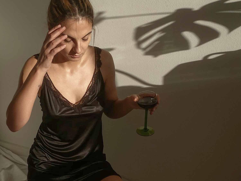 Influencer Anna Winter presenteert de nieuwe slip dress | mey®