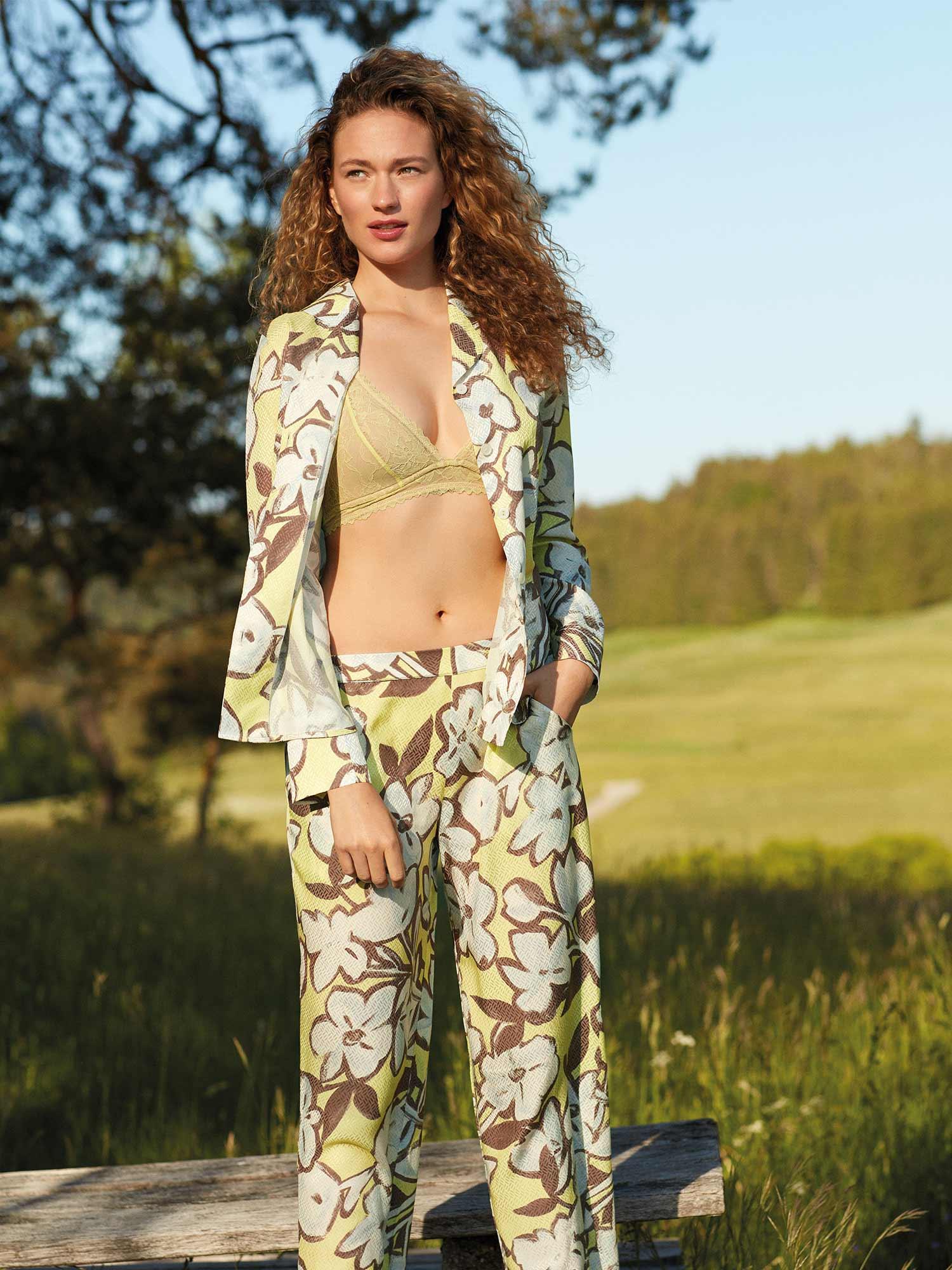 Loungewear-Look in frischem Gelb von mey