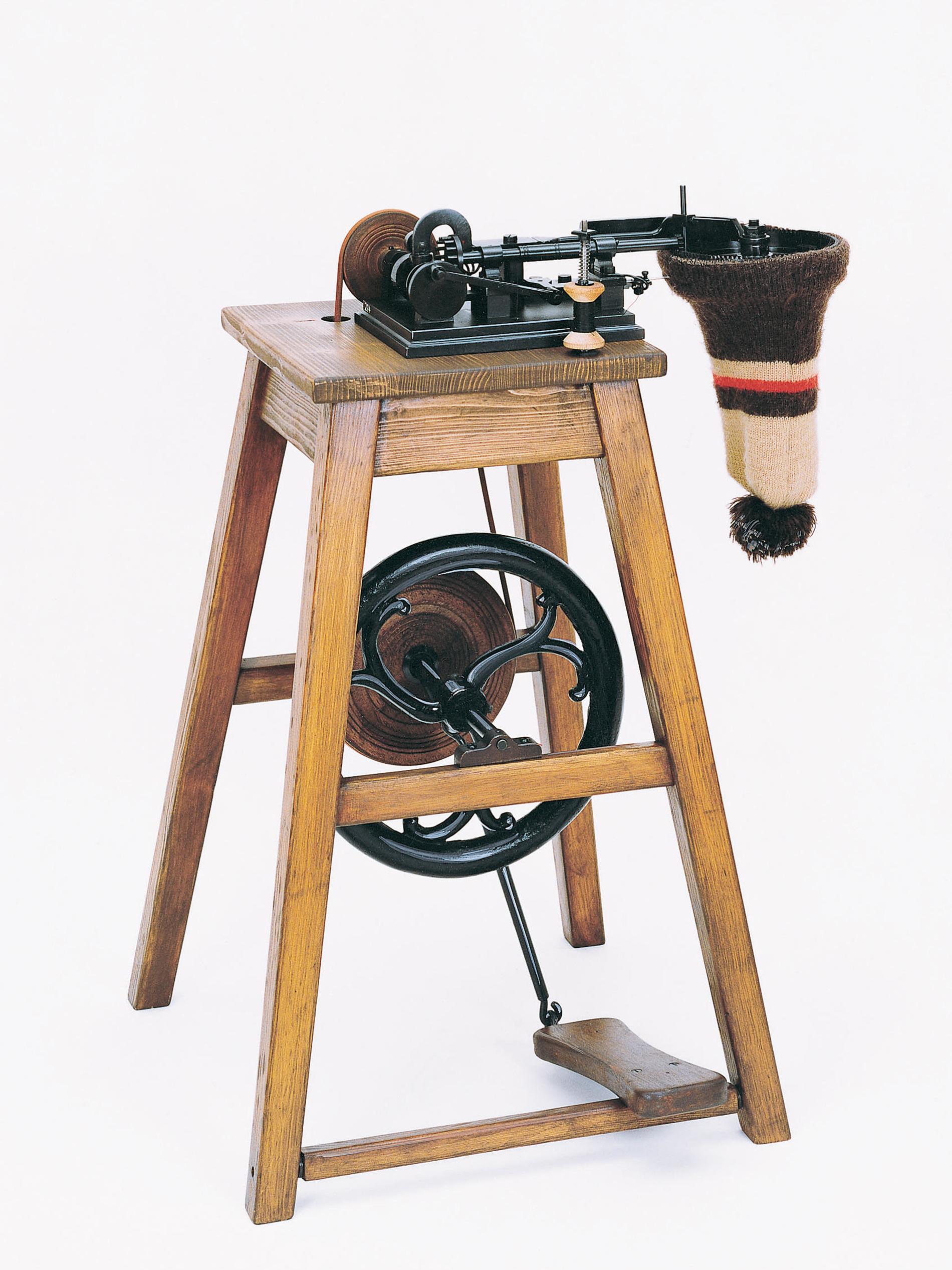 Nähmaschine Balthasar Krems, rekonstruiert | mey®